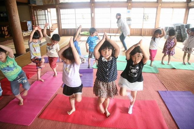 [22Y2] 福島の子供達と共に青空の下、KIDS YOGAを楽しもう!